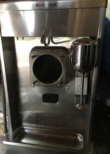 TAYLOR MILK SHAKE machine 490-33 with spinner