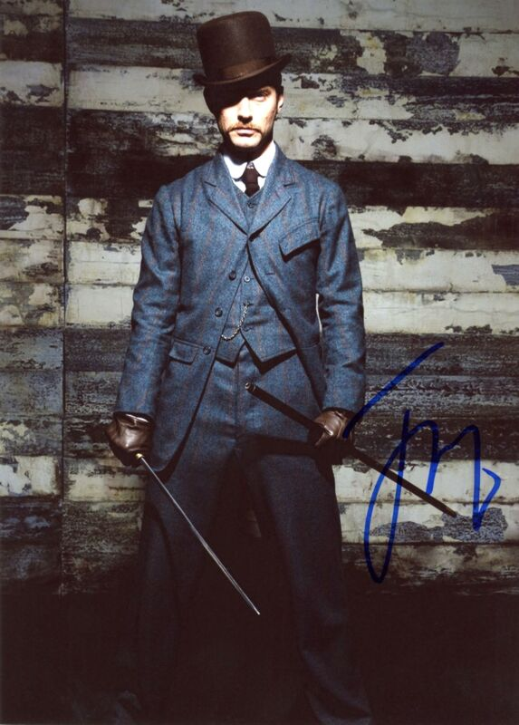 "Jude Law ""Sherlock Holmes"" AUTOGRAPH Signed 8x10 Photo B"