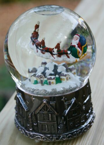 Wallace SANTA SLEIGH & FLYING REINDEER Revolving Musical Water Snow Globe