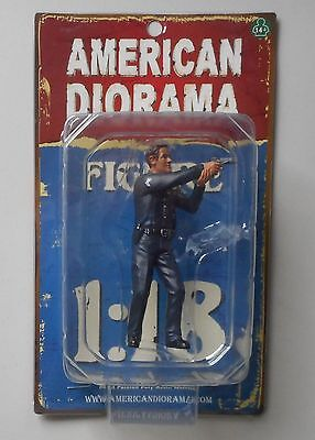 "POLICE OFFICER IV AMERICAN DIORAMA 1:18 Scale Figurine 4"" Male Man Figure"