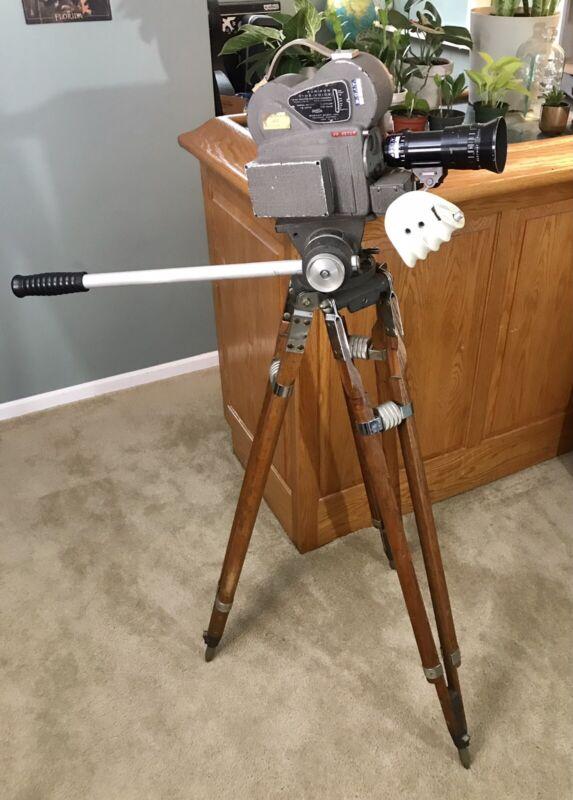 Auricon Cine-Voice 16mm Sound-On-Film Camera w Matching Auricon Tripod. Berthiot