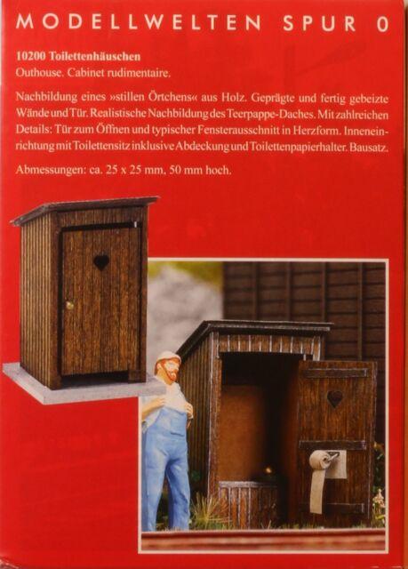 Busch 10220, Spur 0, Toilettenhäuschen, Bausatz mit Echtholzteilen