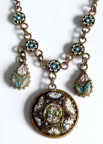 AN EDWARDIAN GOLD TONE MOSAIC FLOWER NECKLACE