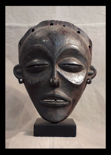 Rare CHOKWE black wooden Mask - Belgian CONGO - late 1800 or early 1900
