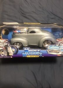 Muscle Machine 41 Willys coupe. Die Cast 1-18 scale