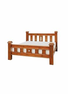 SOLID RUSTIC QUEEN NEW ZEALAND TIMBER BED