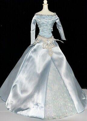 Disney Frozen Princess SLEEPING BEAUTY Barbie Doll ICE BLUE Dress Gown Outfit Barbie Blue Princess Doll