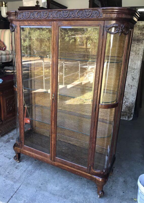 VICTORIAN OAK BEVELED DOOR CURIO CABINET