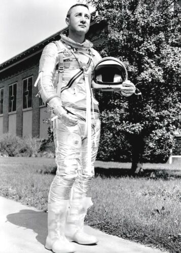 NASA 1959-VIRGIL GUS GRISSOM-One of Original Seven Astronauts in Spacesuit-PHOTO