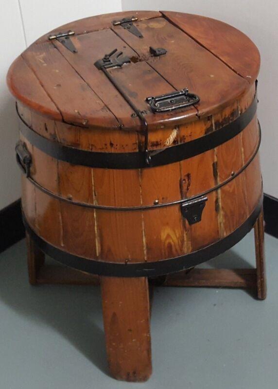 AM091 Antique Wooden Wood Treadle Washing Machine