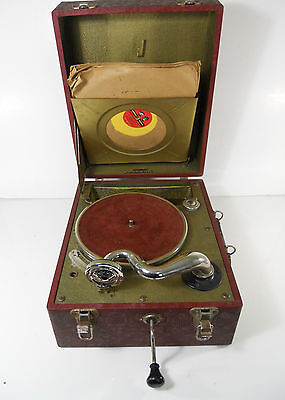 VINTAGE ANTIQUE BRUNSWICK PORTABLE PHONOGRAPH WIND UP W/CHILDREN'S RECORDS