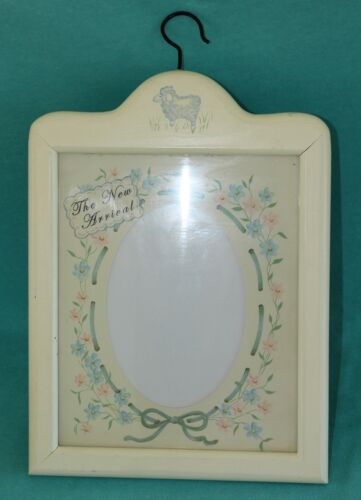 """2004 Tender Heart """"The New Arrival"""" Baby Announcement Picture Frame Wall Hanging"""