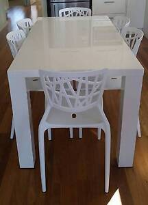 High-gloss white 6 seat dining table Golden Beach Caloundra Area Preview