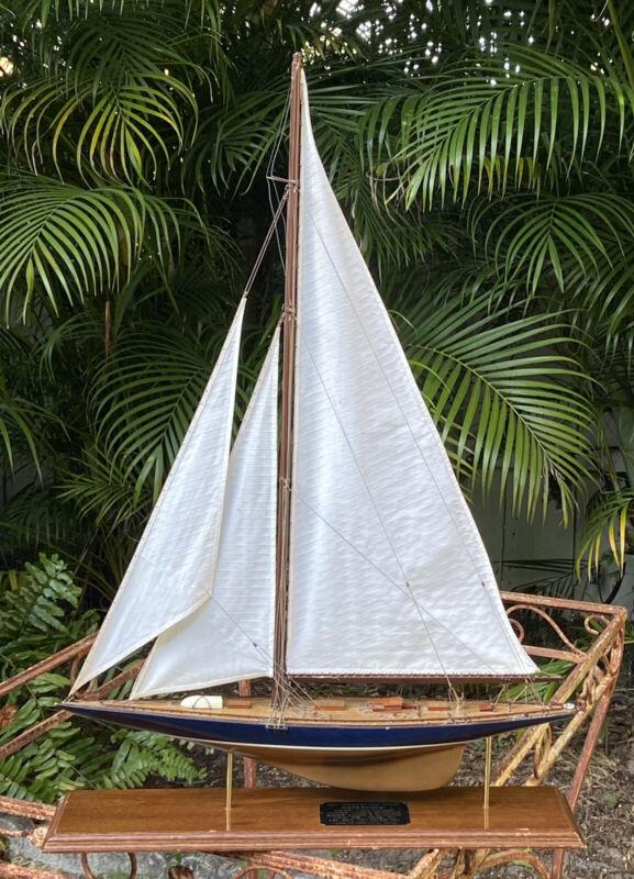 Yatch Endeavour Lannan Ship Model America's Cup
