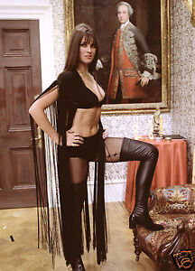 HAMMER HORROR DRACULA AD 1972 CAROLINE MUNRO PHOTO