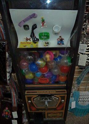 Vintage Capsule Vending Machine - 50 Cent Vend - With 2 Inch Capsules Keys