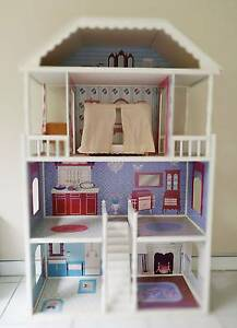 Big and lovely doll house Oxley Brisbane South West Preview