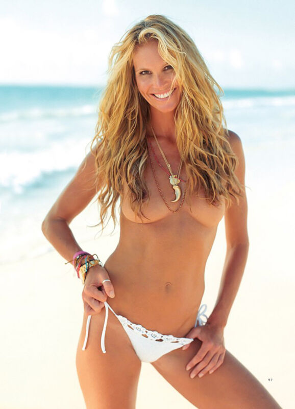 Elle MacPherson Sexy On The Beach 8x10 Picture Celebrity Print