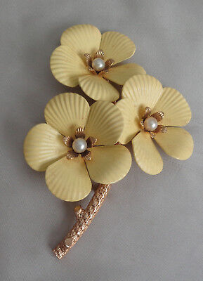 SARA COVENTRY TEXTURED YELLOW  FLOWER BROOCH W, CULTURED PEARL CENTER  3.5