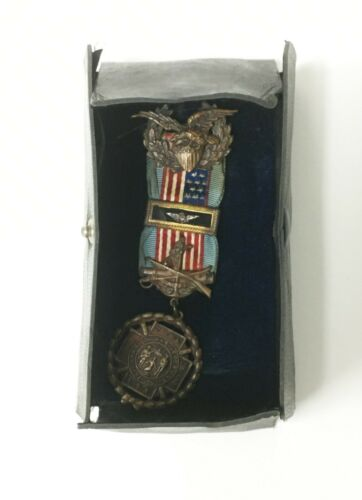 Spanish American War Medal 1898-1902 Cuba & Puerto Rico Near Mint- original Case