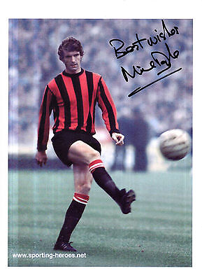 MIKE DOYLE HAND SIGNED 12 x 8 COLOUR PHOTOGRAPH