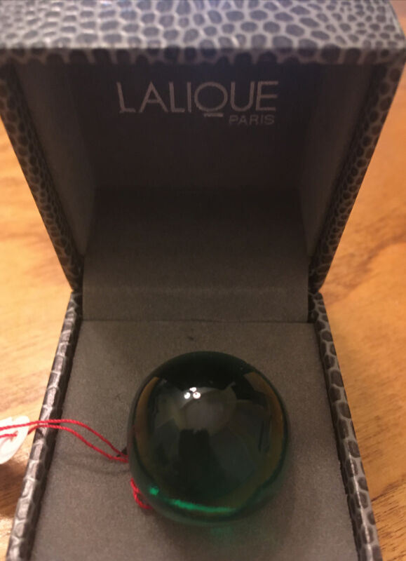 Lalique Cabuchon Crystal Dome Ring- Emerald Green