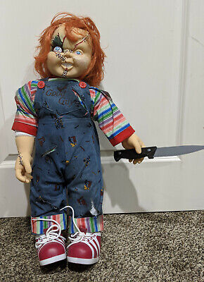 Spirit Halloween Chucky Doll, 24 Inches Small crack on face (see pics)