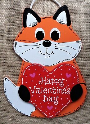 HAPPY VALENTINES DAY FOX SIGN Wall Art Door Hanger Plaque Seasonal Holiday Decor ()