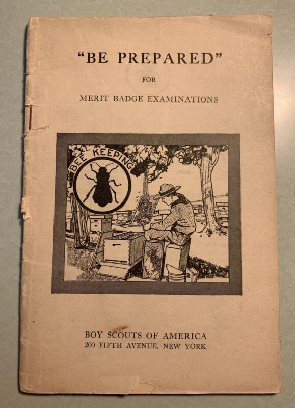 Bee Keeping Merit Badge pamphlet Book Type 1 White Cover 1920