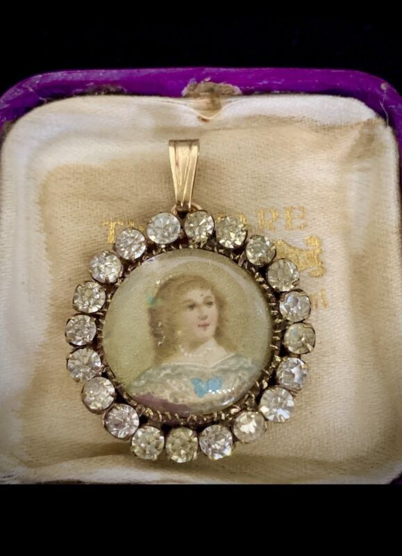 ANTIQUE EARLY 1800 HAND  PAINTED PORTRAIT  Pendant