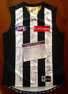 Collingwood 2016 signed guernsey with certificate of authenticity