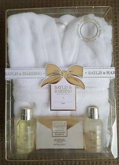 Baylis & Harding plush gift set brand new
