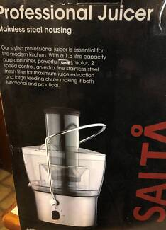 Professional  Juicer - Salta Never used no book