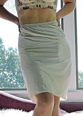 VTG Henson Kickernick Beige Shiny Paper Nylon Simple Classic Half Slip Skirt L