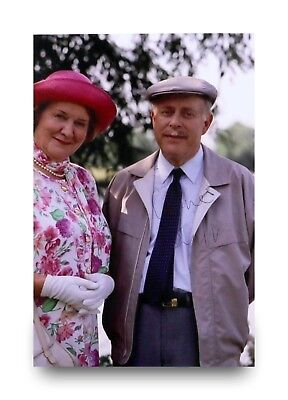 Clive Swift Hand Signed 6x4 Photo Keeping Up Appearances Richard Autograph + COA