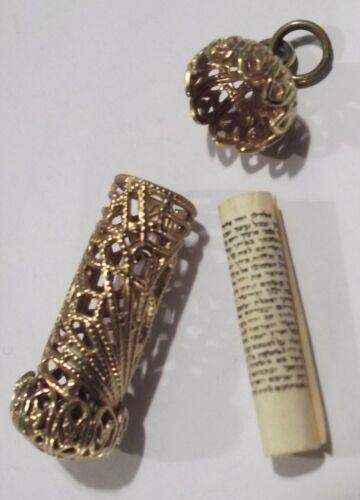 Vtg Gold Tone Filigree Mezuzah Pendant Judaica Jewish Hebrew Prayer Scroll Opens