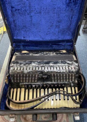 Baile accordion 120 bass