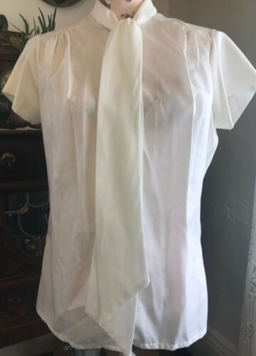 Vintage Short Sleeved Solid White Silky Shirt Blouse Top M