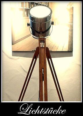 Tripod Steh Lampe - Leuchte - Scheinwerfer - Bauhaus  - Impressionen