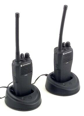 2x Motorola CP040 4-channel VHF 2-way Radio Walkie-Talkie
