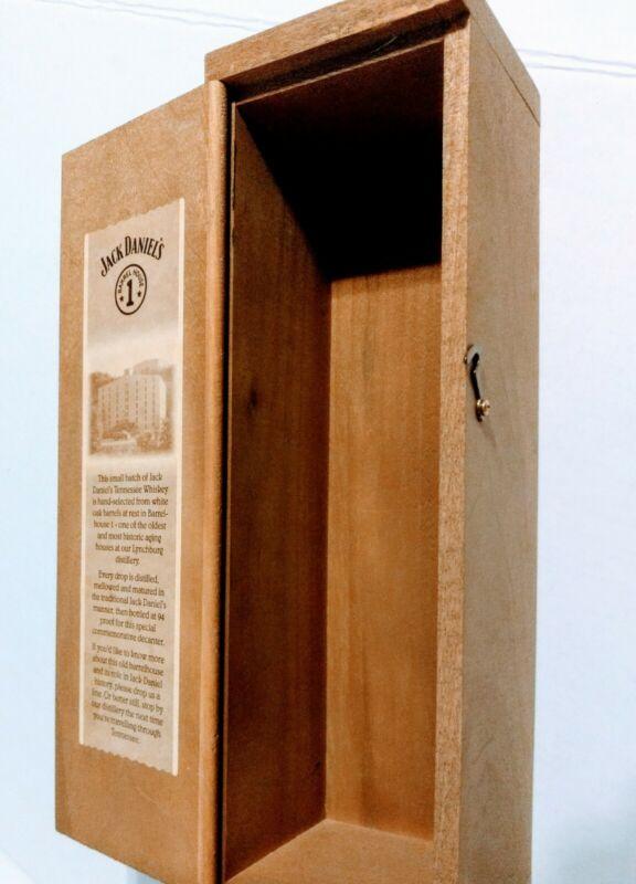 "Jack Daniels Wood Display Box ""Barrel House1"""
