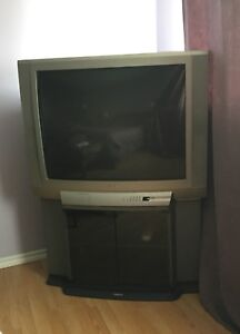 29 inch Toshiba TV on Swivel Stand