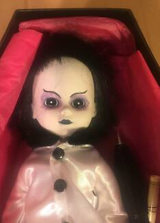 LIVING DEAD DOLL - Series III (3) - Lottie - GOTH Horror TOY