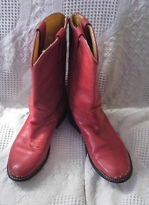 Woman's Ariat Red Cowboy Boots, Size 6M