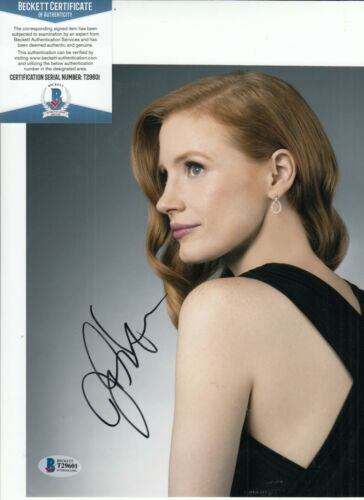 JESSICA CHASTAIN signed (MOLLY'S GAME) Sexy Actress Movie 8X10 BECKETT T29601
