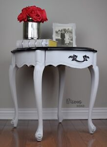Classy, French Provincial end table / side table