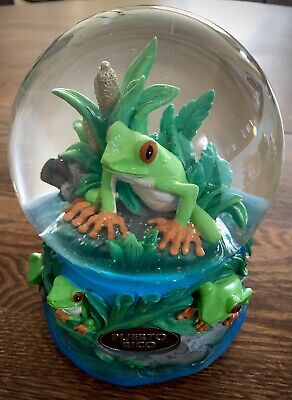 Beautiful Puerto Rico Souvenir Snowglobe Musicbox With Tree Frog Motif