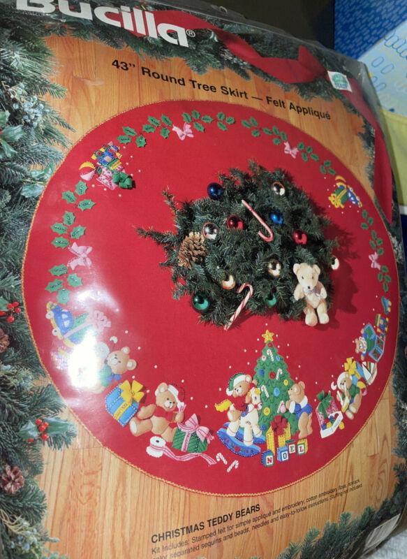 "NEW Bucilla ""Christmas Teddy Bears"" ~ 43"" Round Felt Tree Skirt Kit 1994 83136"