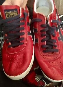Men's Onitsuka Tiger size 9 shoes.