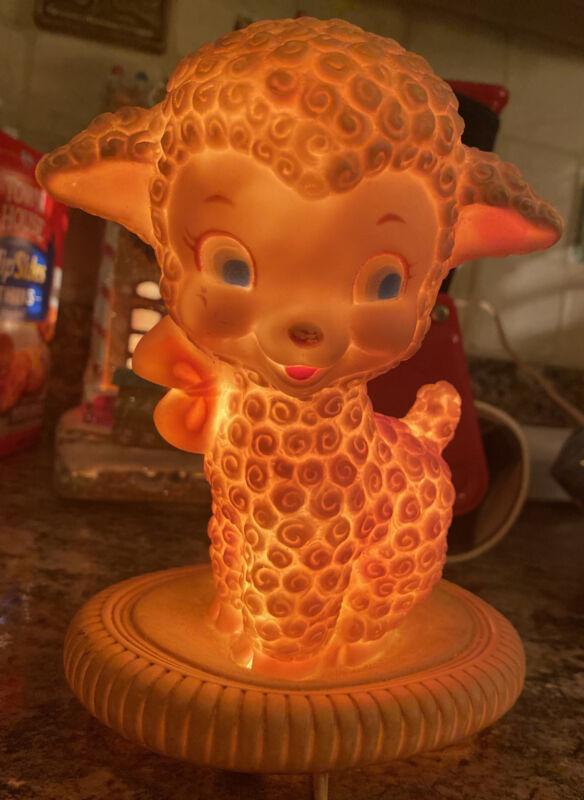 VINTAGE HARD PLASTIC LAMB Sheep FIGURE NIGHT LIGHT NURSERY LAMP 60s Sanitoy Rare